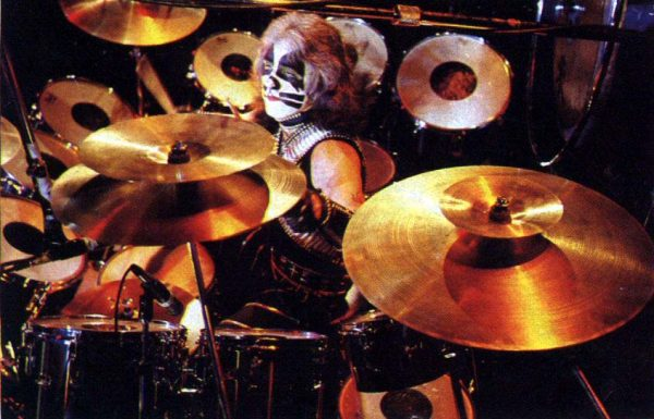 peter-criss-live-drums