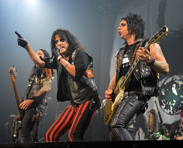 NICE GUY: Alice Cooper welcomes you to his nightmare (photo by David Castillo)